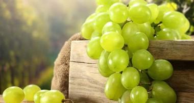 ارزش تغذیه ای و فواید سلامتی انگور سبز