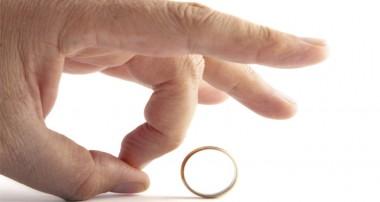 ريشههاي طلاق