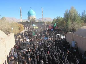 راهپیمایی جاماندگان اربعین از روستاهای مجاور به سمت امامزاده سیدجلال الدین اشرف