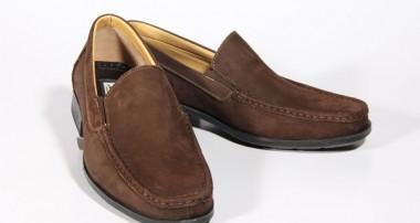 چه کفشی به درد پا میخورد؟