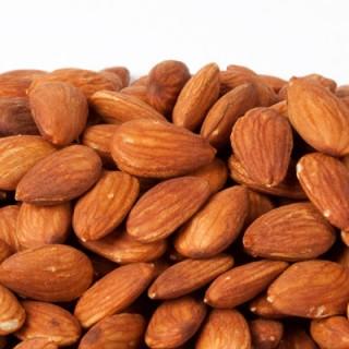 خوردن بادام در سه ماهه اول بارداری