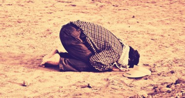 چرا نماز جزء اصول دين به شمار نميرود در حالي كه نماز از اهم واجبات بوده و ستون دين مي باشد؟
