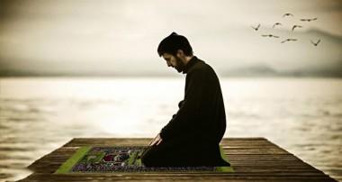 نشان قبولي نماز و اعمال واجب چيست؟