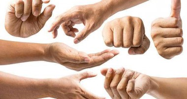 حرف زدن به زبان دستها