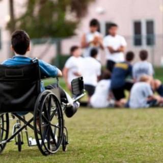 والدين و معلوليت فرزند